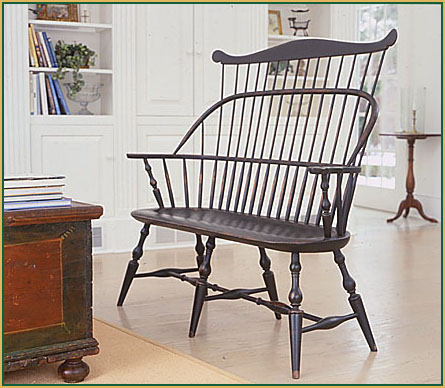 Hoop-back-Settee_with-a-Comb_angled